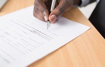 賃貸契約書のサイン